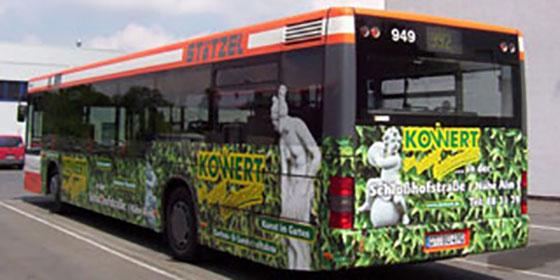 Werbung auf Nahverkehrsbus